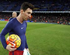 Hattrick Messi, Sikat Granada (4-0)